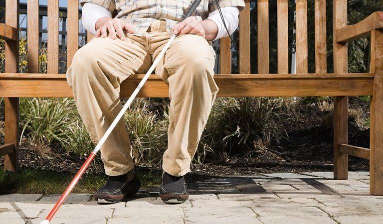 Уход за слепыми и слабовидящими2